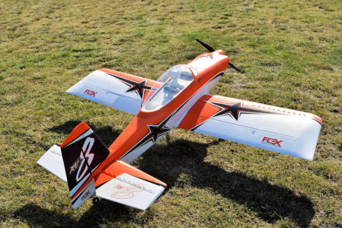 RV8 von Flex Innovations 2m, 6s, Schaum und Holz